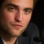 Robert Pattinson à la conférence de presse Cosmopolis - Cannes - 25.05.2012 ( Photos HQ 03) 9645d8192767436