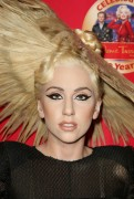 Lady Gaga >> Muñecos de cera 592a7d110597434