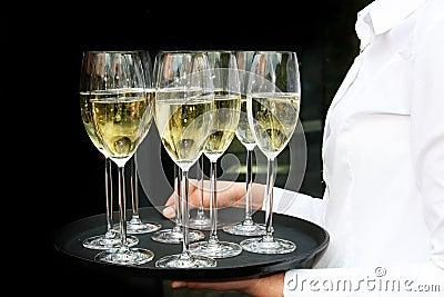 Маленький столик за углом - Том III - Страница 2 Waiter-champagne-glasses-tray-12728074