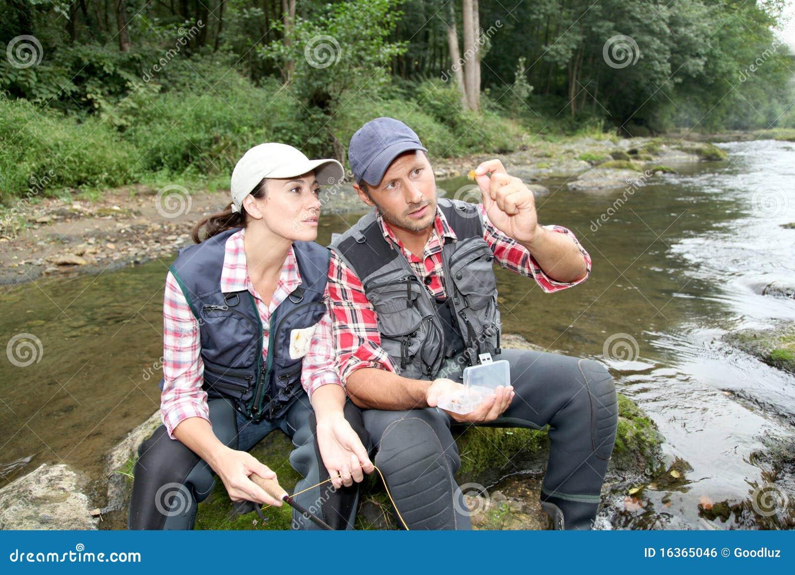 Ribolov na fotkama - Page 2 Couple-river-fishing-day-16365046
