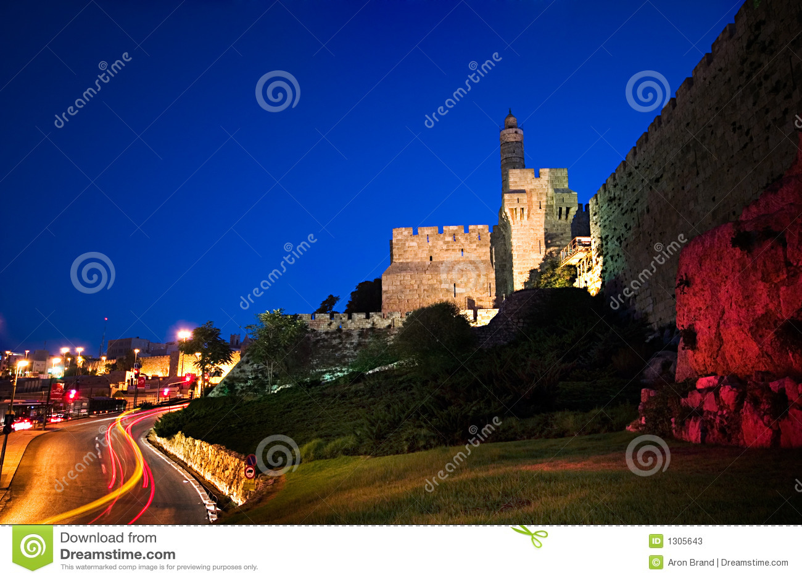 Prière juive, prière du matin bénédictions de l'aube La-tour-de-david-vieux-murs-de-ville-%C3%A0-l-aube-j%C3%A9rusalem-1305643
