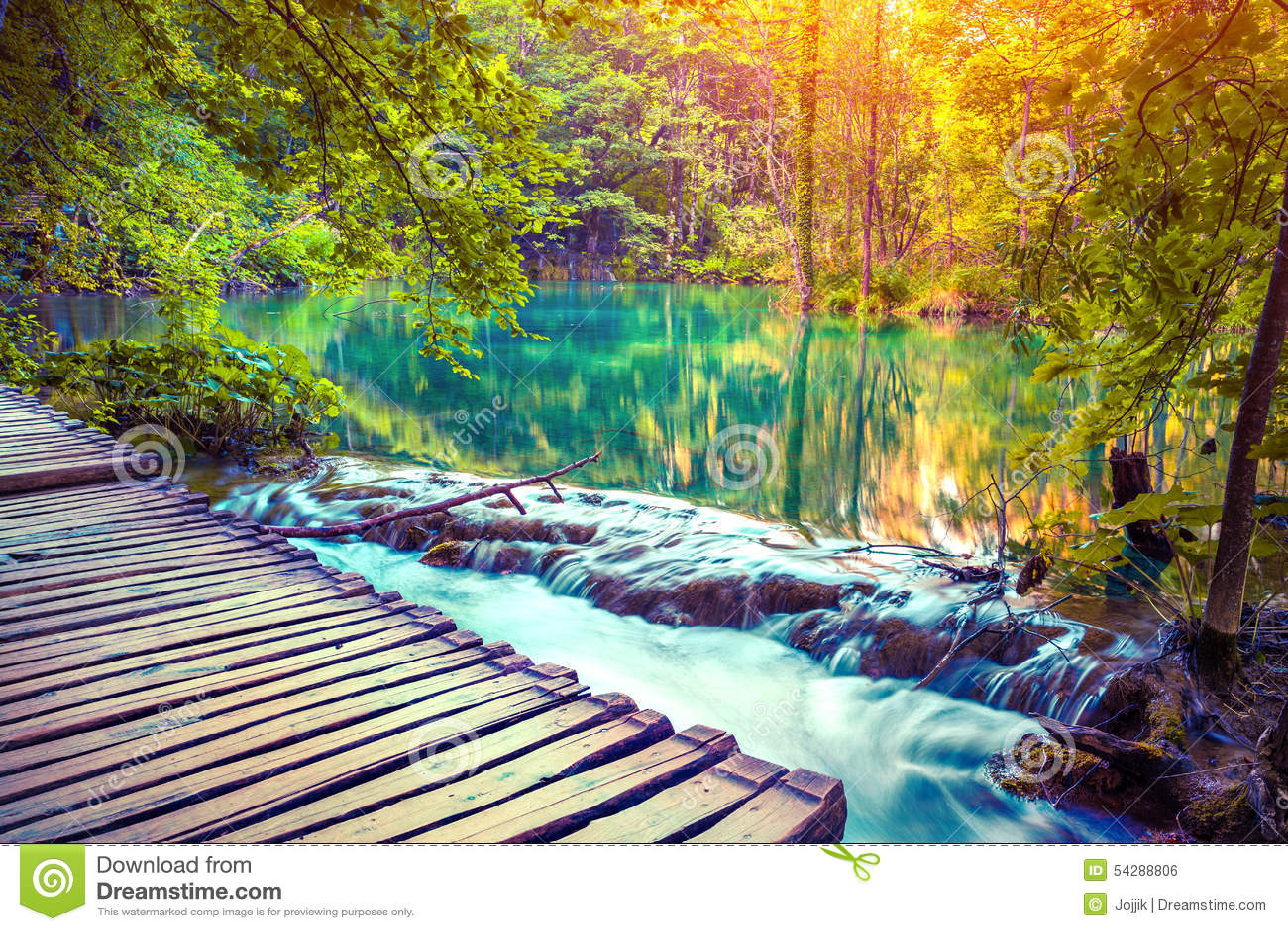 où suis je -  n° 1 ajonc 28 janvier 2016 trouvé par Martin Lever-de-soleil-color%C3%A9-d-automne-en-parc-national-de-lacs-plitvice-54288806