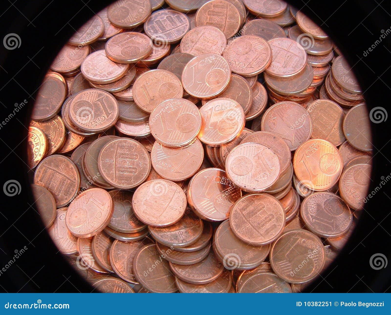 FOTO TË MUAJIT NËNTOR One-euro-cent-coin-10382251