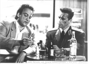 Красная жара / Red Heat (Арнольд Шварценеггер, Джеймс Белуши, 1988) - Страница 2 F1d695610877473