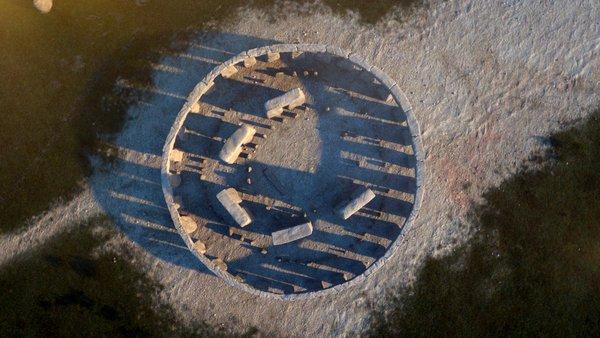 Les mystères de Stonehenge  Sep14_i04_stonehenge.jpg__600x0_q85_upscale