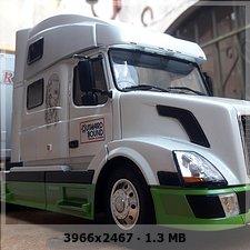 MT: Volvo VN 780 mit 50' Trailer - ITALERI 1:24 52d019821bf875746188178106c010b3o