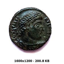 AE3 de Constantino I. GLORIA EXERCITVS. Antioquía 9f006dae2a1adfad1905759346214c3eo