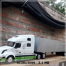 MT: Volvo VN 780 mit 50' Trailer - ITALERI 1:24 B81a4e7becf65e1de2aecf036080c738o