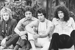 Queen и Freddie Mercury 611a361027833414