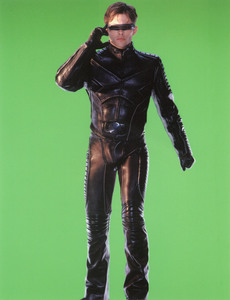 Люди Икс 2 / X-Men 2 (Хью Джекман, Холли Берри, Патрик Стюарт, Иэн МакКеллен, Фамке Янссен, Джеймс Марсден, Ребекка Ромейн, Келли Ху, 2003) 8ca1161198641904
