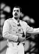 Queen и Freddie Mercury A1ea7a1029713424