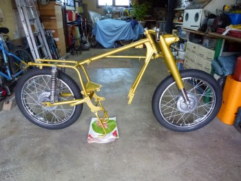 Restauration MONDIAL 125cc Champion Lusso. 1ba373689895173