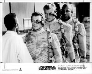 Универсальный солдат / Universal Soldier; Жан-Клод Ван Дамм (Jean-Claude Van Damme), Дольф Лундгрен (Dolph Lundgren), 1992 - Страница 2 Bea85c653632893