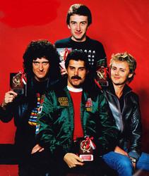 Queen и Freddie Mercury 5dcb3d1027833254