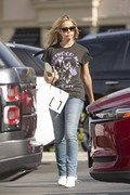 Denise Richards keeps it casual in Calabasas 25.03.2019 x12 Ac49531174819524