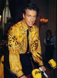 Жан-Клод Ван Дамм (Jean-Claude Van Damme)- сканы из разных журналов Cine-News 1d892e783203863