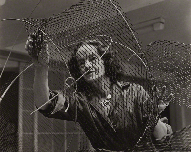Barbara Hepworth Mw16767
