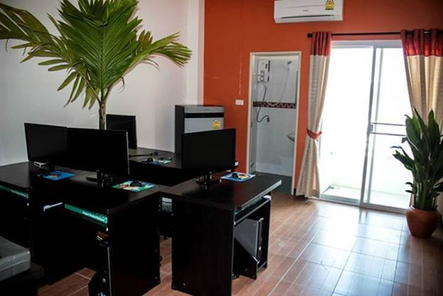Senior Software Developer in Tropical Paradise Thailand 13