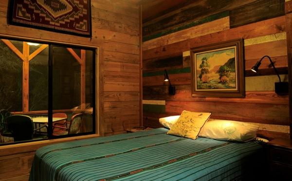 The Old Western Road - majakese tutvustus La-arboleda-reclaimed-space-small-cabin-03