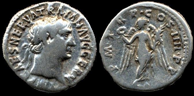 Denario de Trajano. P M TR P COS IIII P P. Victoria. Ceca Roma. Trajric58