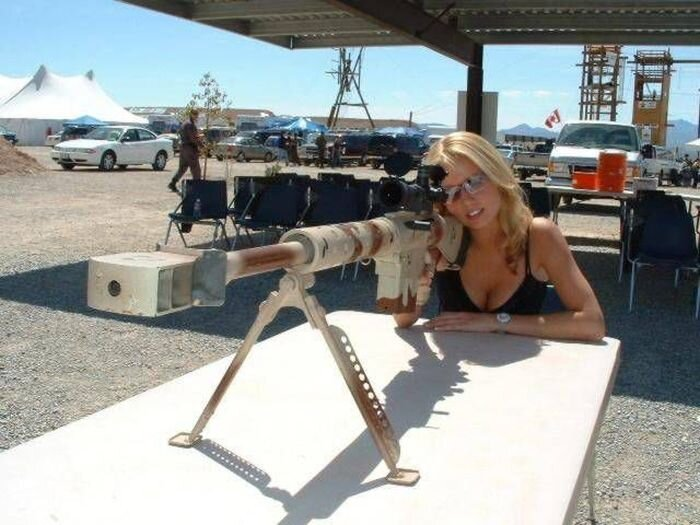 Phụ nữ và súng 538aea60c746f20fddc7c56db3b611db