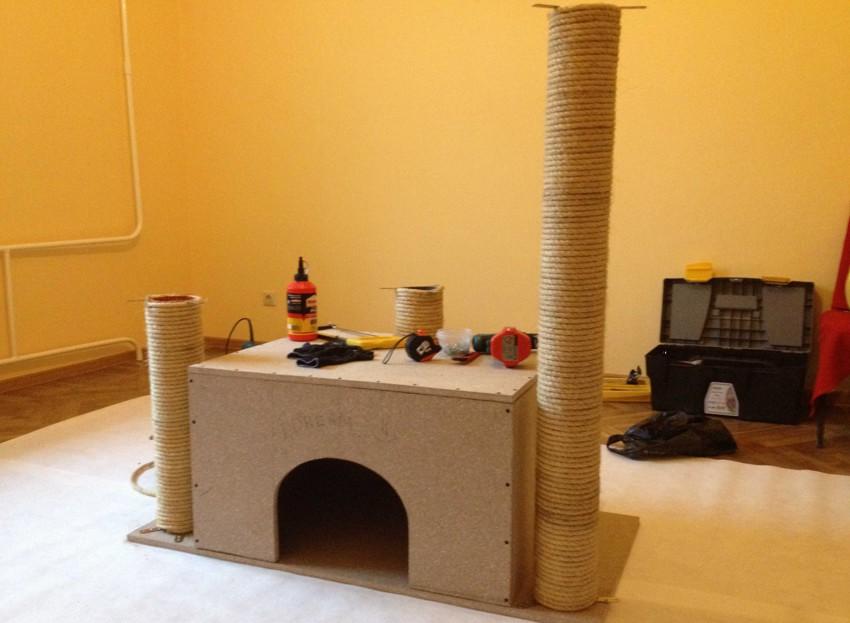 Самодельный домик для кота 6f706a0725c057cafc636d5e51005466