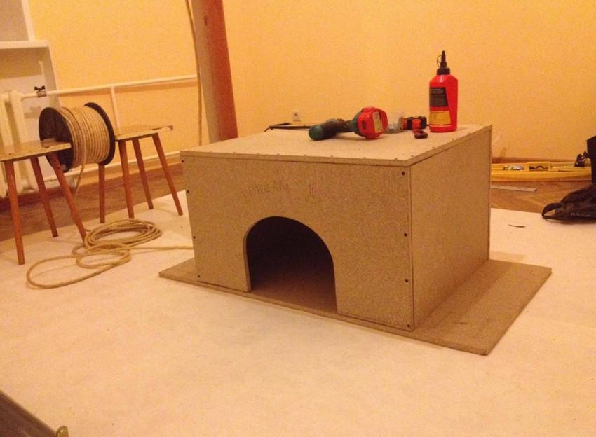 Самодельный домик для кота D5a6196f4caf975cd1da80e624beded5