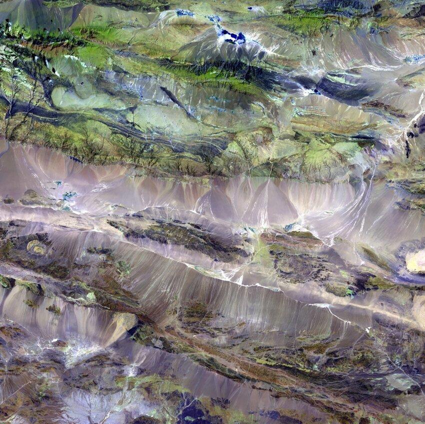 Потрясающие спутниковые фотографии Земли 3da8f0d843a938aacadce8a8de13ed35