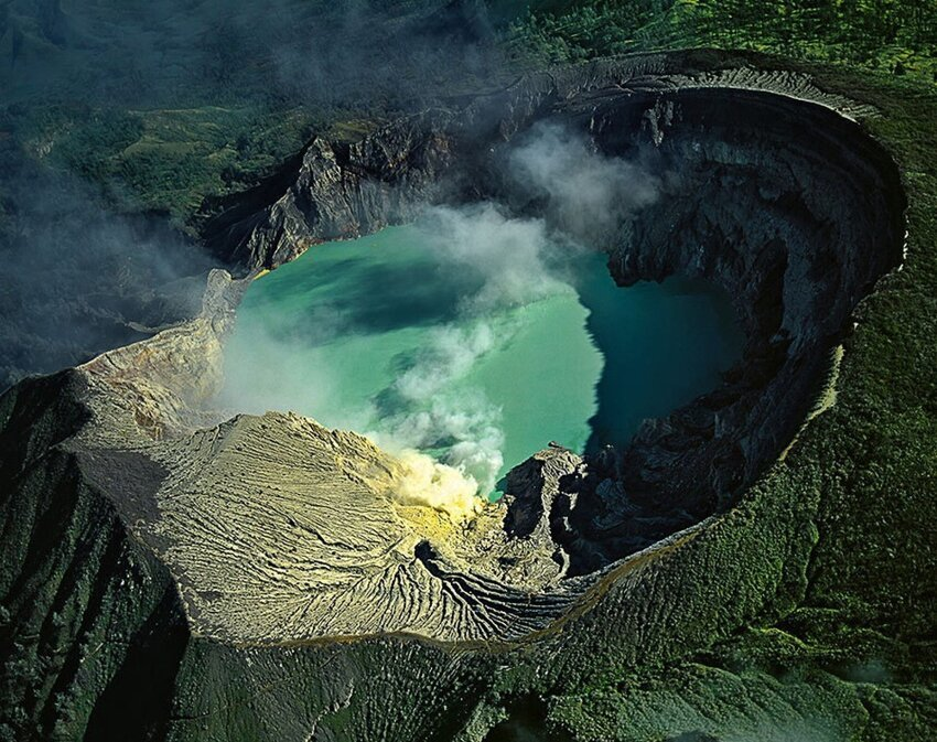 """Не """"пыльная"""" работёнка - добыча серы в вулкане 0_f6521_24da2f05_orig"""