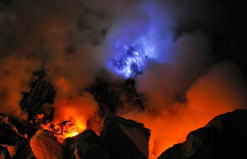 """Не """"пыльная"""" работёнка - добыча серы в вулкане 6614056x32"""