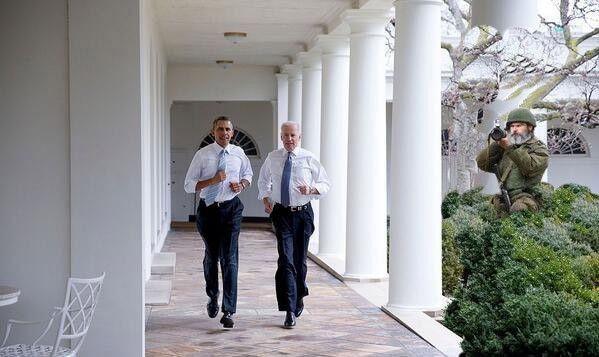 Фотожабы на пробежку Обамы и Байдена по Белому Дому 1_3279943