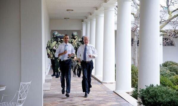 Фотожабы на пробежку Обамы и Байдена по Белому Дому 1_3280172