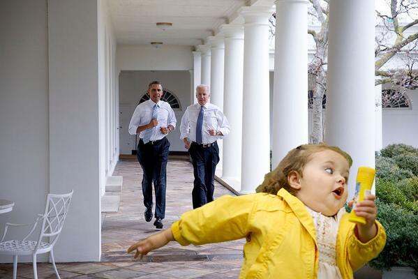Фотожабы на пробежку Обамы и Байдена по Белому Дому De314428161f46525dc8fe0898b57752