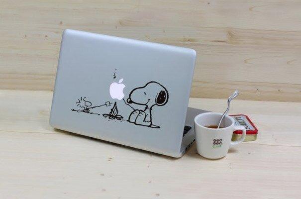 Наклейки на macbook 065
