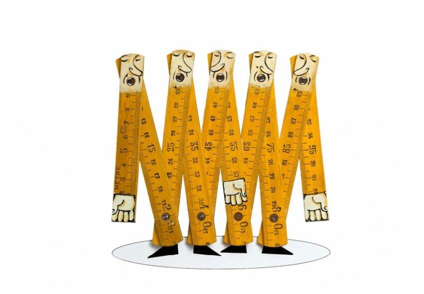 Художник создаёт из повседневных предметов, игривых персонажей. Everyday-object-sculptures-gilbert-legrand-171