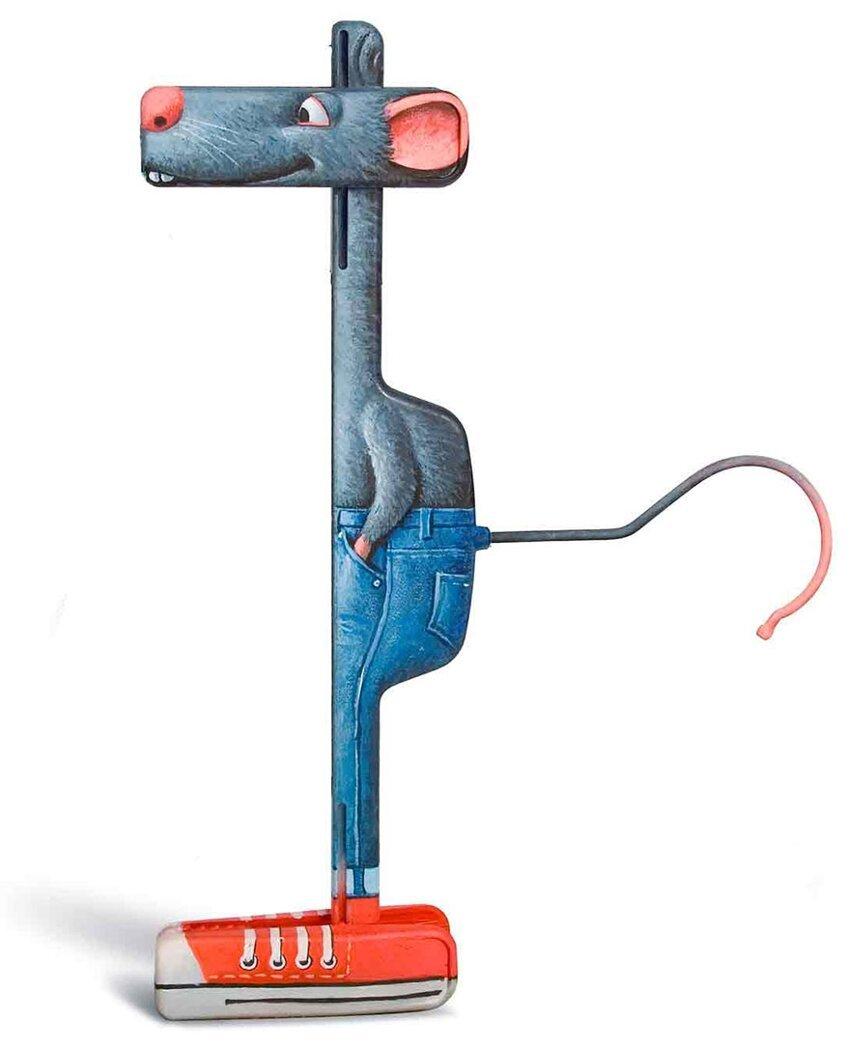 Художник создаёт из повседневных предметов, игривых персонажей. Everyday-object-sculptures-gilbert-legrand-5