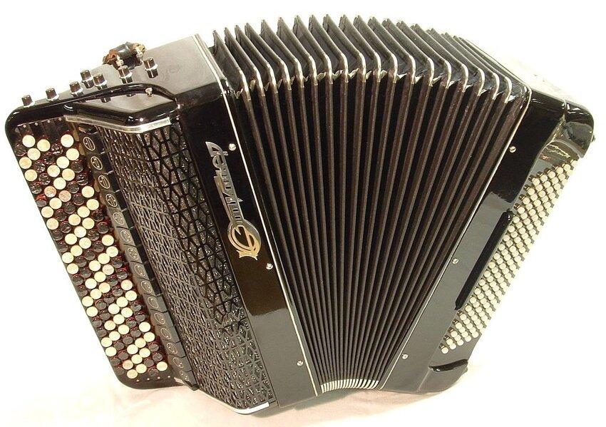 Не путайте музыкальные инструменты! Bajan-jupiter