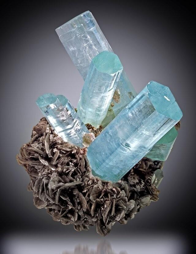 Самые удивительные минералы  7cb115a583965552dae1c87376974cef