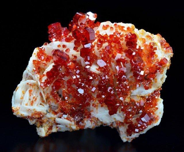 Самые удивительные минералы  Ec5f13bad6341b5e62256bf508a60b25