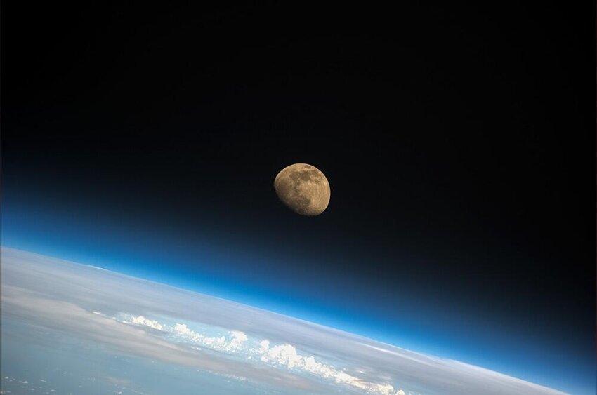 Фотографии из космоса 7a381d885f4282bfe85f6068a33c3f7e