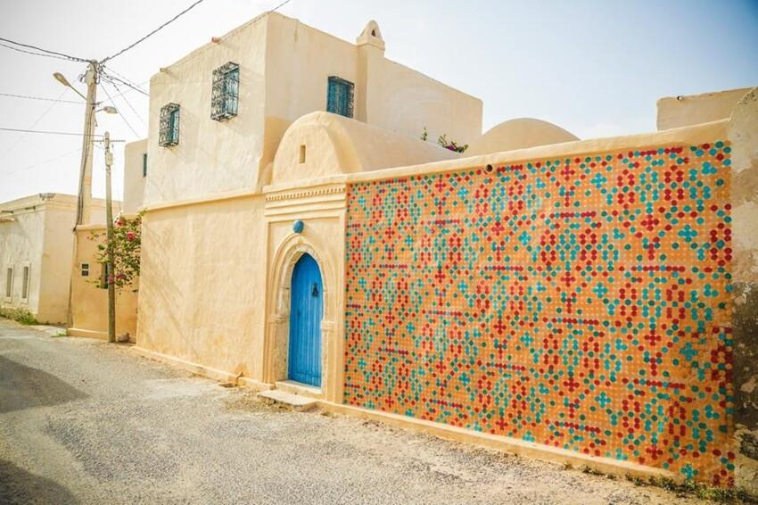 Расцвет уличного искусства в Тунисе F2727bdd2e8e92ef01819a640ea12798