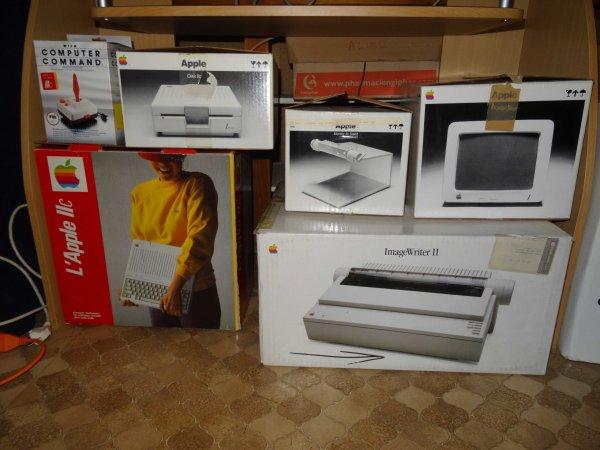 [VDS] Apple IIc en boîte. 50f76f88-6601-4b4f-9780-0341be456140