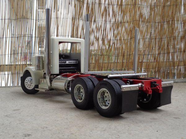 Grand Hauler de Tony - futur Log truck DSC00965_1