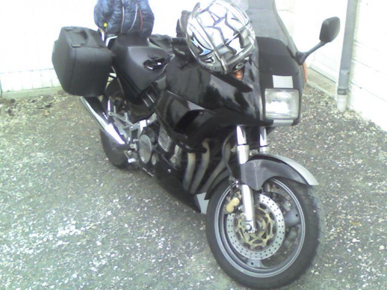 Votre moto avant la MT-09 Normal_fj_charg%C3%A9e_pour_voyage