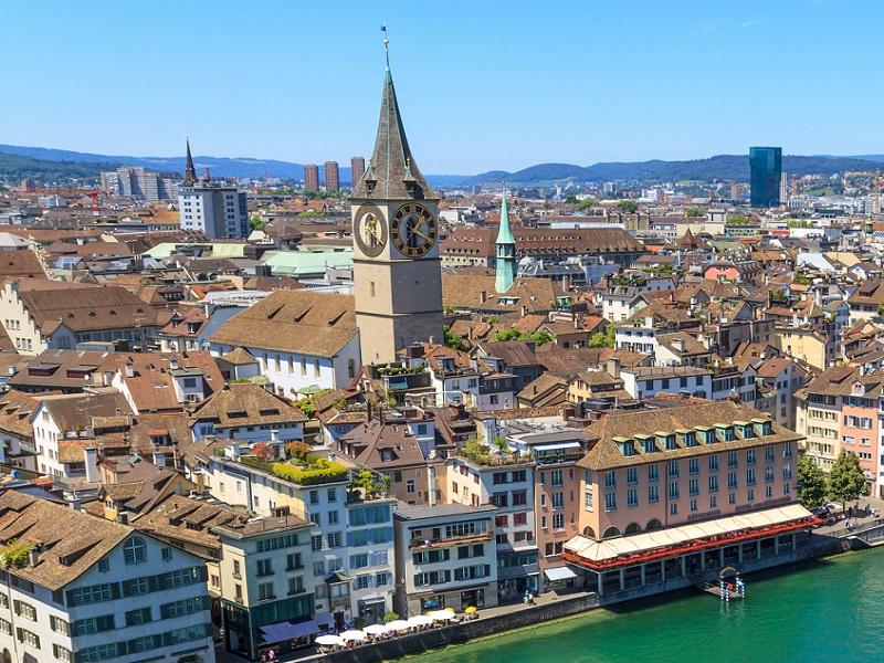 Švajcarska - Page 2 Najveci-casovnik-na-zgradi-u-cirihu