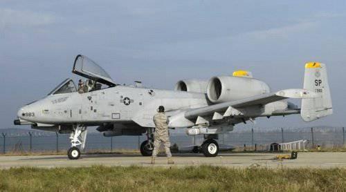 طائره الهجوم الارضى الامريكيه  A-10 Thunderbolt II , مفترسه المدرعات .   1324847454_a-10_thunderbolt_ii-3