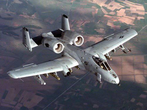 طائره الهجوم الارضى الامريكيه  A-10 Thunderbolt II , مفترسه المدرعات .   1324847493_a-10_thunderbolt_ii-1