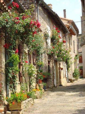 Francuska - Page 2 Love_the_small_village_streets