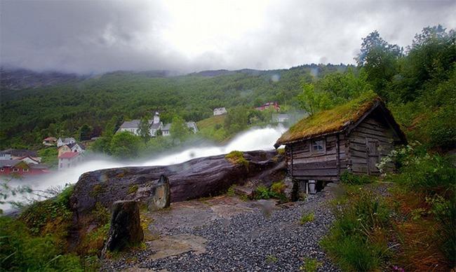 Роскошные пейзажи Норвегии - Страница 3 1299093415_tn