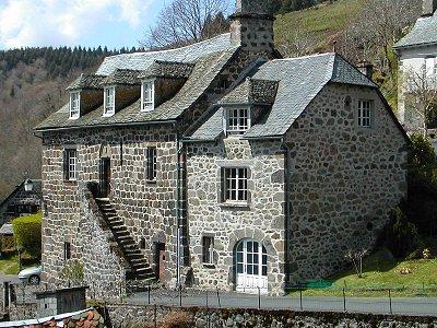 Villes et villages de charme du Cantal 009